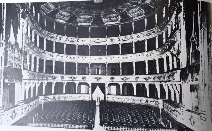 32. L'opéra du Caire, Intérieur