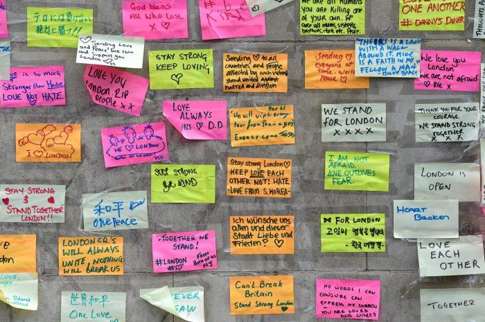 Post-it 2 message London Bridge