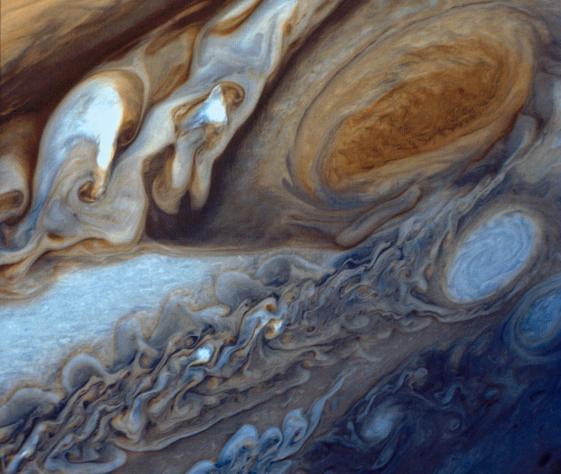 83c. La Grande Tache rouge prise par Voyager 1, en fausses couleurs, 1979.