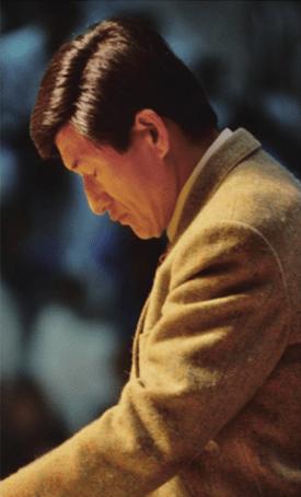 President Jung Myung Seok Praying