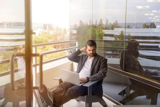 sales winning method working in office