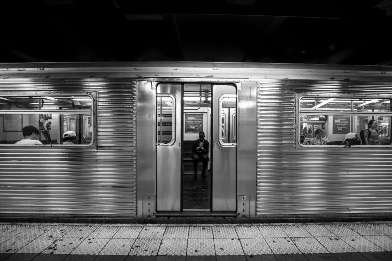 Closing doors (New-York Subway)