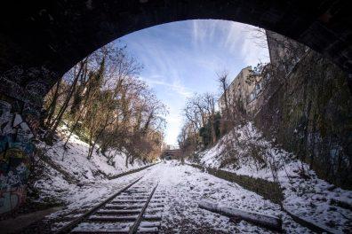 La Petite Ceinture sous la neige, au coeur du 14e arrondissement