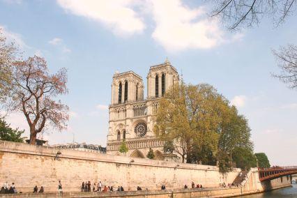 Notre Dame de Paris vue des quais de Seine