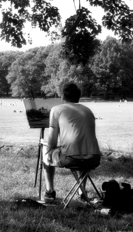Photo of city-scape painter in Central Park