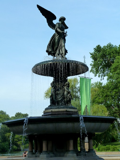 Photo of Manhattan's Bethesda Fountain, taken by Joana Miranda