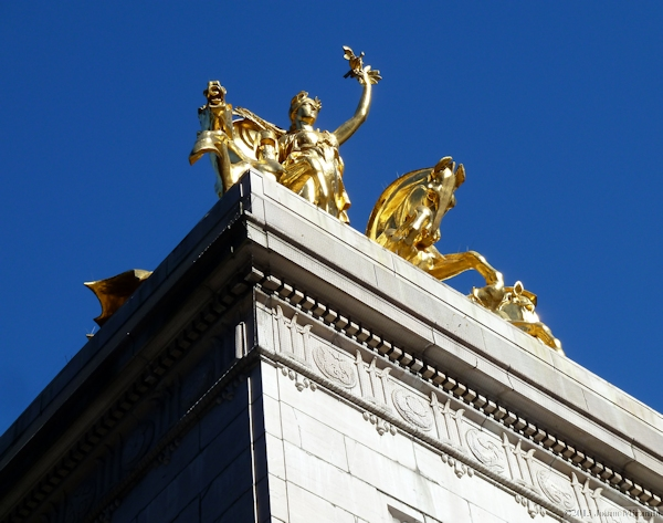 Golden statue at Columbus Circle, photo taken by Joana Miranda
