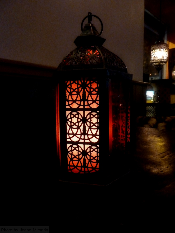 Photo of lantern in Turkish restaurant, taken by Joana Miranda
