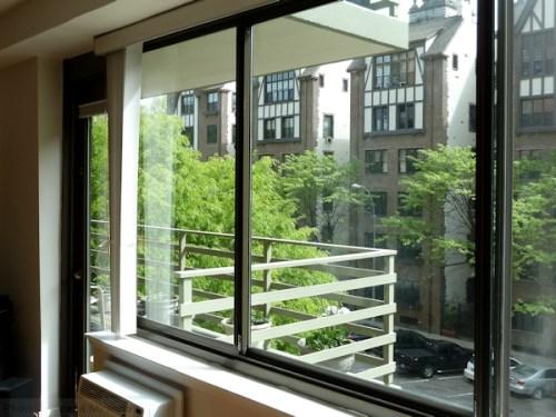Clean apartment windows