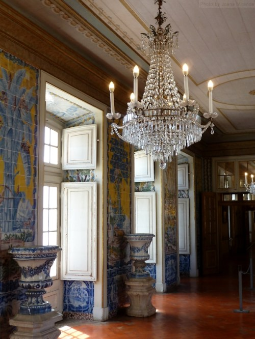 blue and yellow tiles in hallways at Palacio Queluz