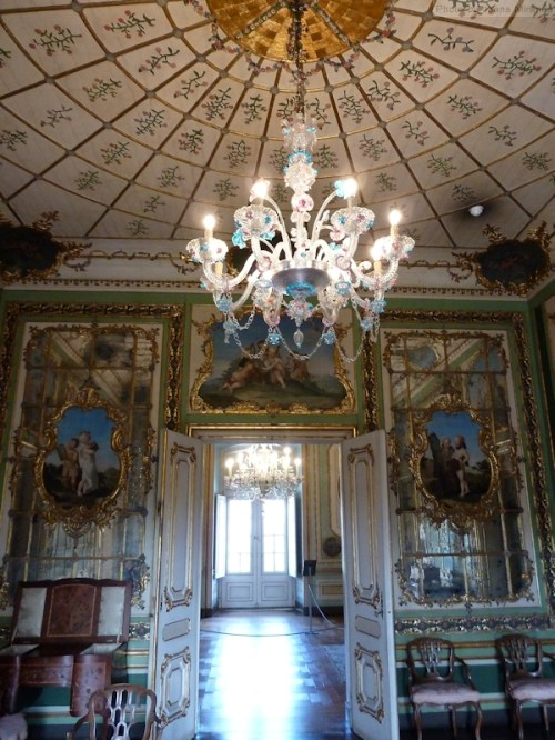 hallway and chandelier at Palacio Queluz