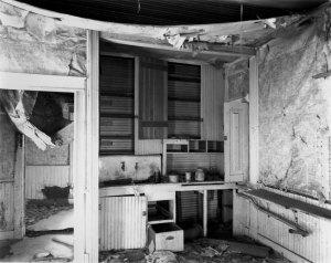013B02 Kitchen & Doorway 1994