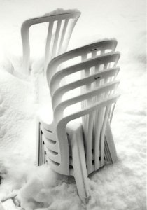 1998002012 Chairs in Snow 1998