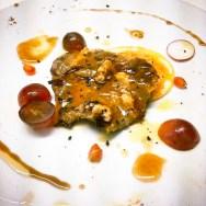 Porc ibèric i foie amb reducció de garnatxa, suc de mandarina i de taronja sanguina.