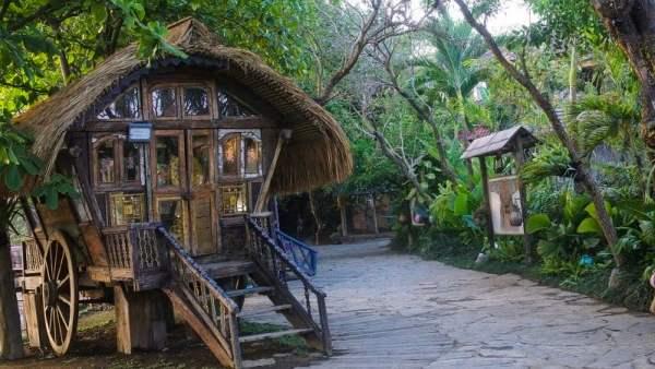 Entrance to La Laguna Bali