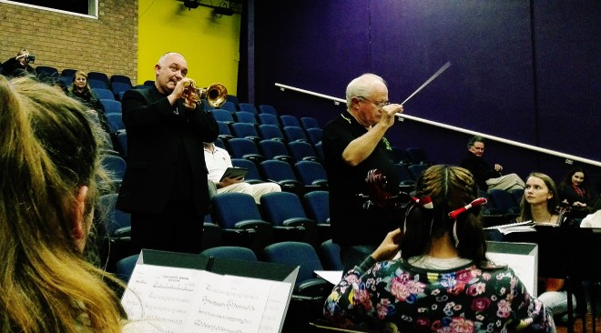 , Orchestra rehearsal: awesome band and a touch of greatness