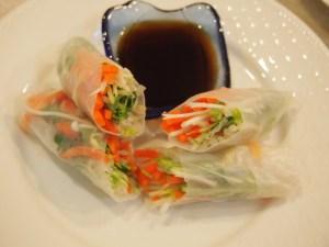 Super Easy Raw Veggie Rice Paper Rolls