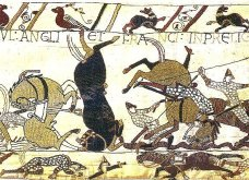 bayeux_tapestry_horses_in_battle_of_hastings