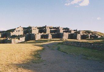 inca_ruins_peru_near_cusco