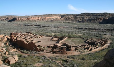 pueblo_bonito_cliff_view