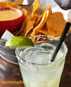 Chips and margarita at Tin Lizzy