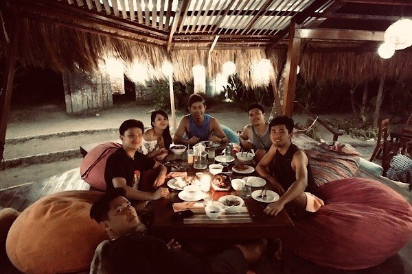 WHERE TO EAT IN SIARGAO – PRICE AND REVIEW