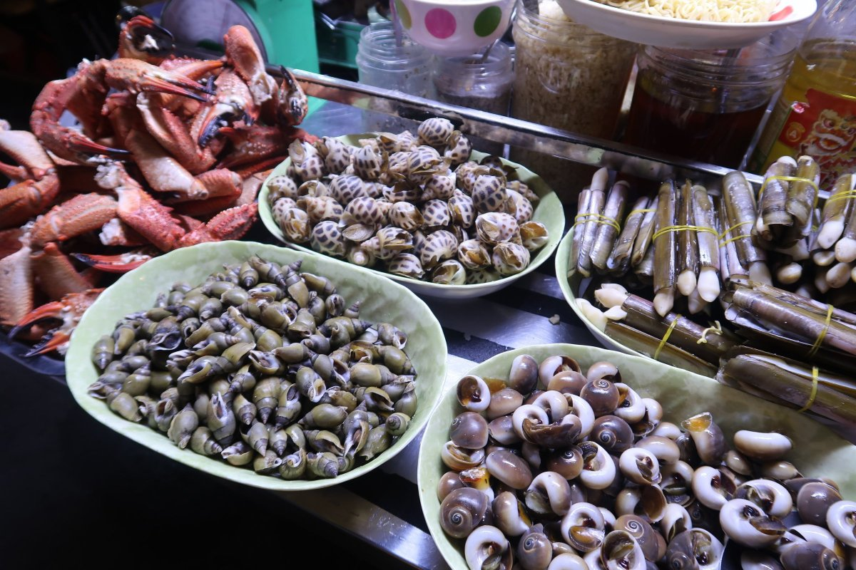 street food in bui vien street