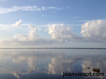 Mirrored Bay 800 watermarked