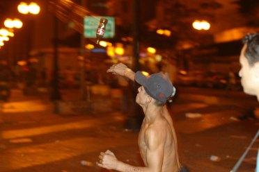 Conflito com vendedores de Rua-Centro - Manifestacao de vendedores de rua com baderna pelo Centro de Sao Paulo e obrigam lojas a fecharem as portas. Eles entraram em conflito com a Guarda Civil Municiopal no centro de Sao Paulo. Sao Paulo SP 20.05.2005 Foto: Joao Wainer/Folha Imagem