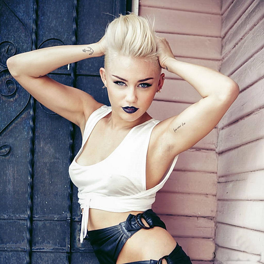 Miley Cyrus: Miley Cyrus Got Her First Tattoo In DETROIT And Now…she's