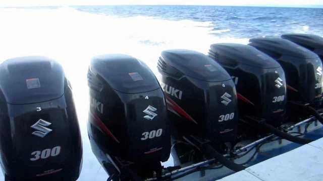 8 300hp Suzuki outboards