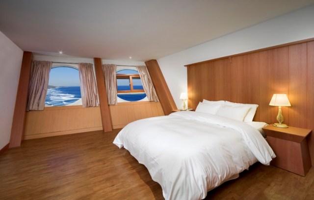 Regular Room 180,000 won($155.00 usd) a night