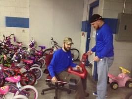 Blake & Skelly build a bike