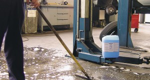 Workshop Cleaner