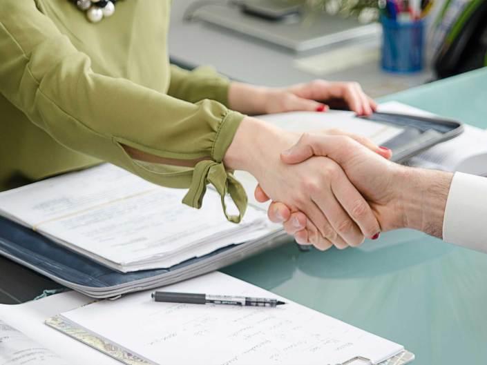 Sådan skal håndtrykket være til jobsamtalen