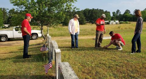 JCMCL - Memorial Day Cemetery Visit 05-28-19-5CP