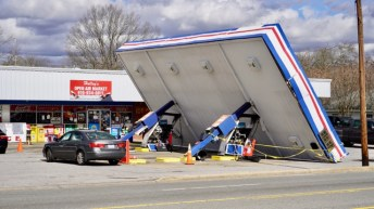 Winds - Gas Station Canopy 02-07-20-3JP