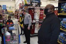 WCSO - Shop with a cop 12-12-20-4C