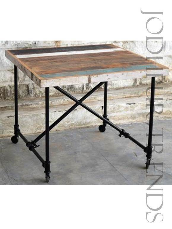 Cafe Table in Industrial Designs | Cafe Table