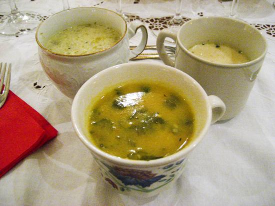 Τρεις διαφορετικές σούπες/Three different soups