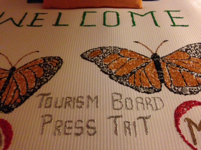 Hotel bedspread welcome