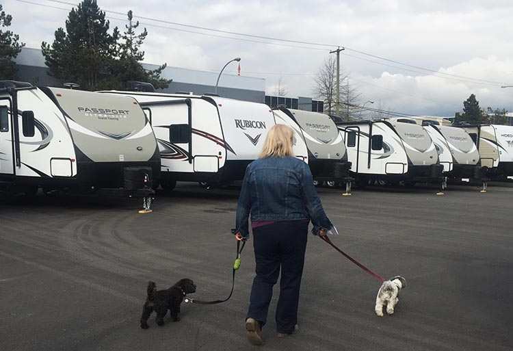 How to Choose the Right RV: 7 Tips to Help You Choose the Right RV. We spent ages walking around RV dealerships, looking at countless more RVs