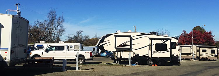 Here's our rig parked at the Tradewinds RV Park