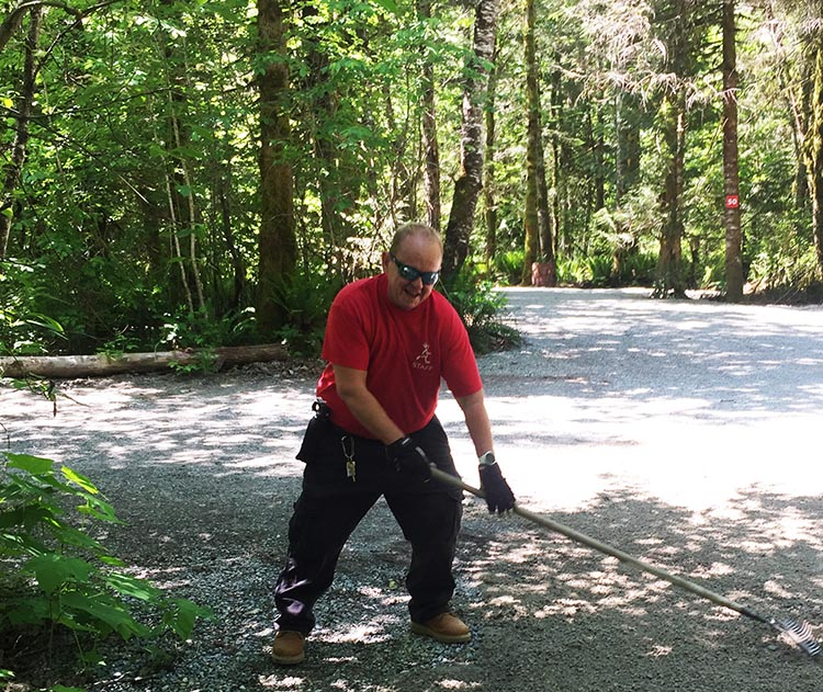 Workamping at Paradise Valley Campground, Squamish, BC, Canada. Raking gravel just NEVER became fun!
