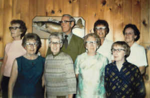 Mom, her brother and sisters