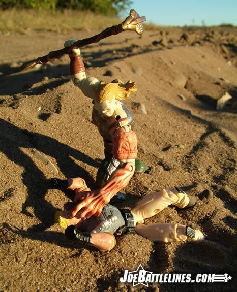 Duke vs. Venomous Maximus in the sand