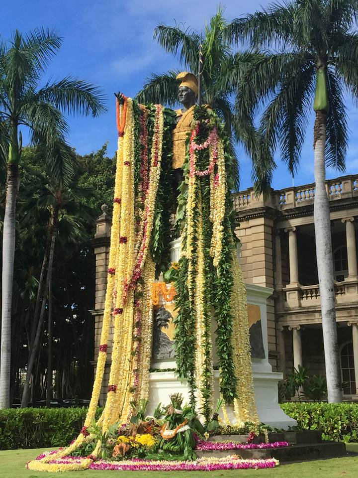 King Kamehameha statue Honolulu with leis