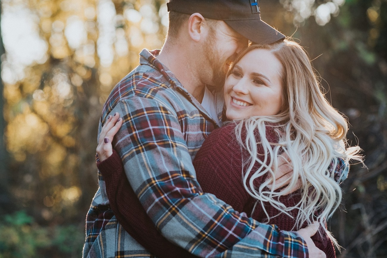 Engagement posing ideas | Fall couples photos | Engagement outfit guide | Waterford Ontario | Tree Farm Photoshoot