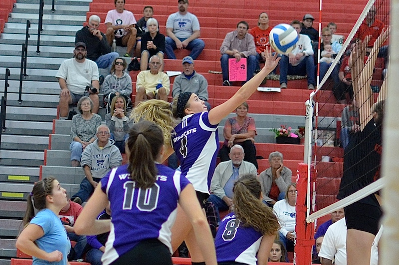 Gallery: Vicksburg volleyball defeats Three Rivers in four sets