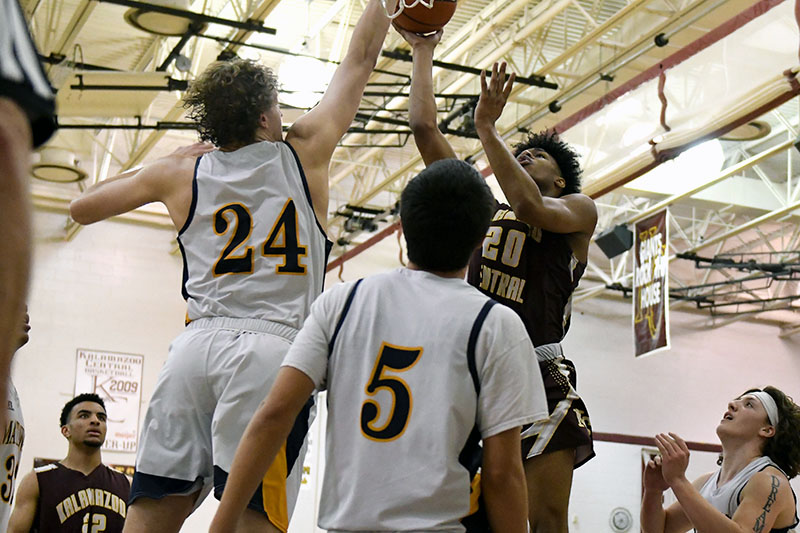 KCentral Hoops 0307_07